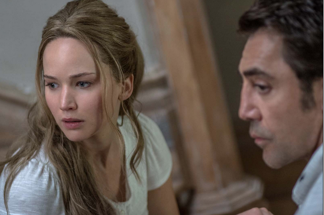 Jennifer Lawrence et Javier Barden in Mother! Paramount Pictures