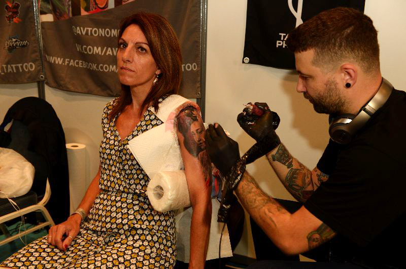 Séverine à la convention de tatouage de Deauville ©David Lefranc