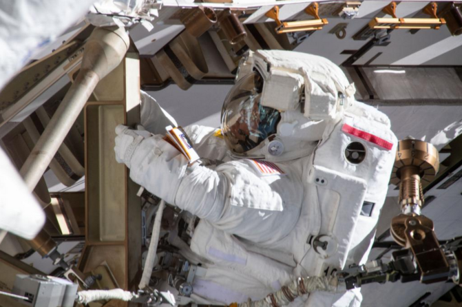 jaipiscineavecsimone_actu_NASA_equipage_féminin