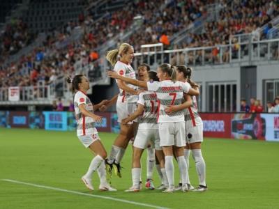 jaipiscineavecsimone_actu_coupe_du_monde_feminine_football_hymne_des_femmes